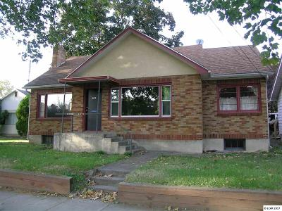 Single Family Home For Sale: 1125 11th Ave.