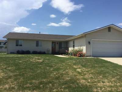 Single Family Home For Sale: 2552 Bursell Dr