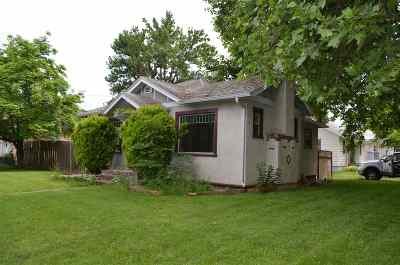 Single Family Home For Sale: 1002 11th Avenue