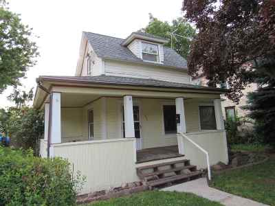 Single Family Home For Sale: 1030 7th St.
