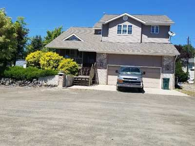 Cottonwood Single Family Home For Sale: 802 & 804 Trestle Drive