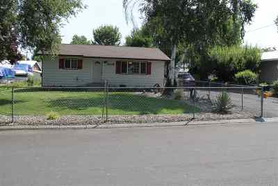 Lewiston Single Family Home For Sale: 3705 14th St C