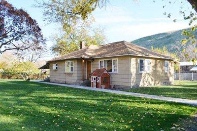 Asotin Single Family Home Pending Financing: 21 Morgan Road
