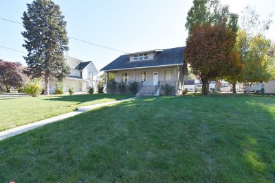 Single Family Home For Sale: 708 1st Street