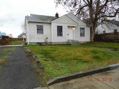 Single Family Home For Sale: 715 8th Street