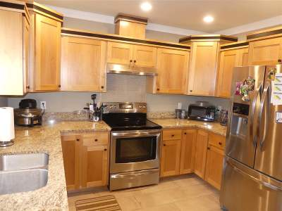 Single Family Home For Sale: 932 4th Street