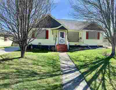 Single Family Home For Sale: 1329 5th St