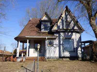 Single Family Home For Sale: 727 2nd Street