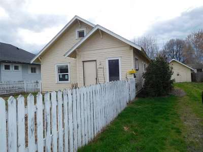 Single Family Home For Sale: 1222 7th Street