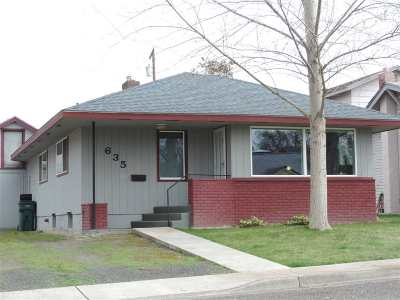 Single Family Home For Sale: 635 12th Street