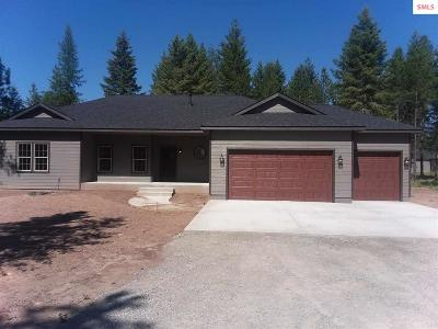 Moyie Springs Single Family Home For Sale: 25 Miley Ct