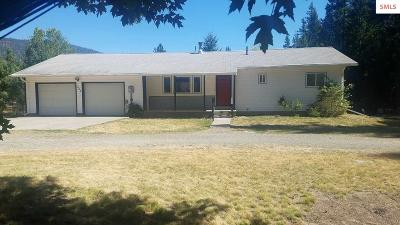 Bonners Ferry Single Family Home For Sale: 555 Meadow Creek Rd.