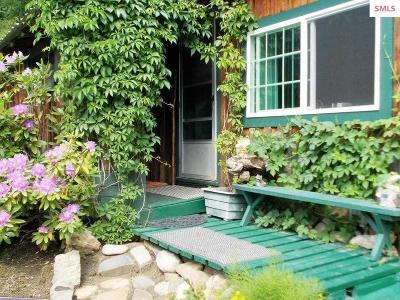 Naples Single Family Home For Sale: 47 All Seasons