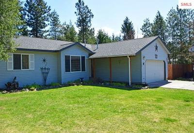 Moyie Springs Single Family Home For Sale: 322 Elk Rd