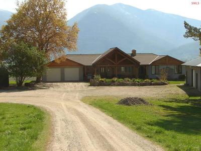 Bonners Ferry Single Family Home For Sale: 11708 Highway 1