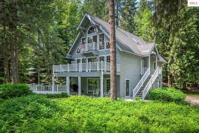 Sagle Single Family Home For Sale: 381 Sherwoods