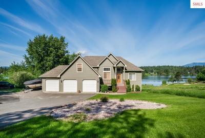 Sagle Single Family Home For Sale: 465 Comeback Bay Ln