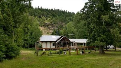 Sandpoint Single Family Home For Sale: 1706 Upper Pack River Rd.