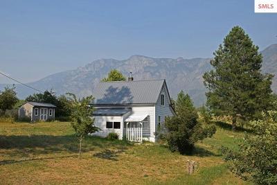 Bonners Ferry Single Family Home For Sale: 1027 Porthill Loop