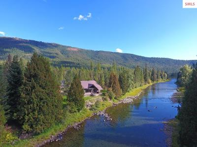 Bonners Ferry Single Family Home For Sale: 5202 Moyie River Rd