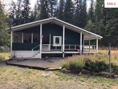 Moyie Springs Single Family Home For Sale: 212 Beaver Tail Rd.