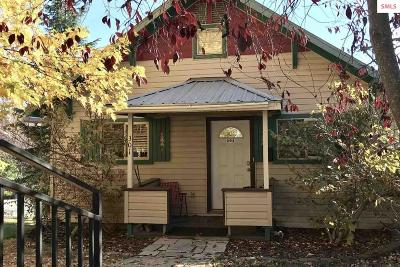 Sandpoint Single Family Home For Sale: 301 S Fourth Avenue