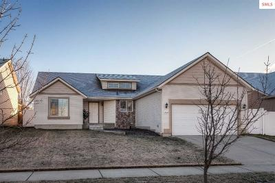 Post Falls Single Family Home For Sale: 2624 N Tiatan St