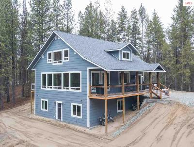 Moyie Springs Single Family Home For Sale: 672 Silver Springs Rd