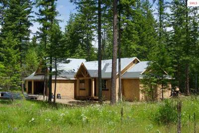 Moyie Springs Single Family Home For Sale: 93 Quiet Pl