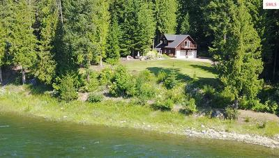 Bonner County, Boundary County, Kootenai County Single Family Home For Sale: 692 River Dr