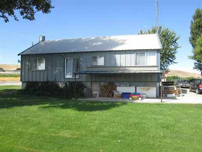 Emmett Single Family Home For Sale: 10466 Dewey Road