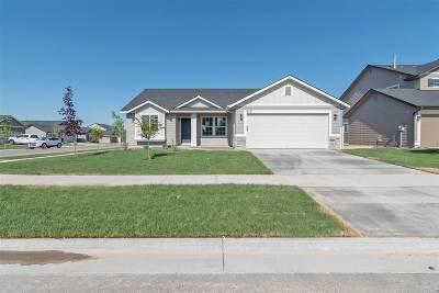 Kuna Single Family Home For Sale: 2195 N Doe Ave.