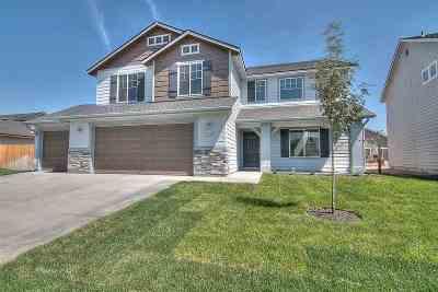 Kuna Single Family Home For Sale: 2574 N Honeysuckle