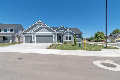 Kuna Single Family Home For Sale: 1875 W Deserthawk Dr.