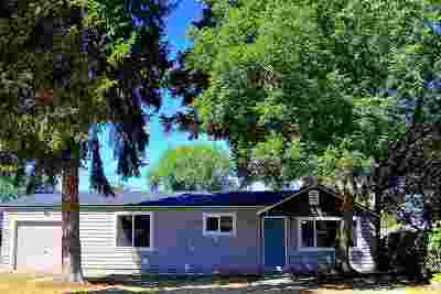 Nampa Single Family Home For Sale: 45 S Fairview Street