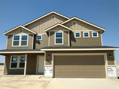 Middleton Single Family Home For Sale: 175 Trailblazer St.