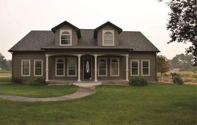Emmett Single Family Home For Sale: 2410 Lower Bluff Rd