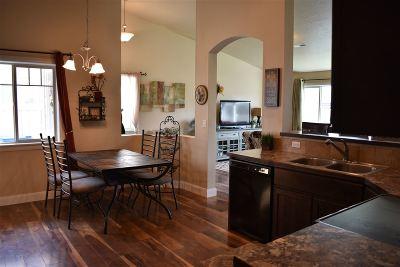 Middleton Single Family Home For Sale: 1907 Ridge Way