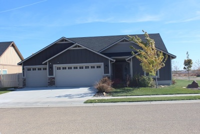 Caldwell Single Family Home For Sale: 15604 Montrose Way