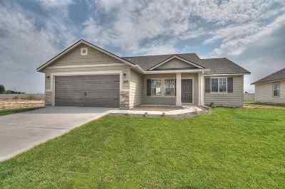 Kuna Single Family Home For Sale: 235 W Screech Owl Dr.