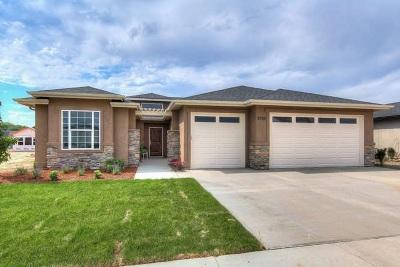 Meridian Single Family Home For Sale: 1220 W Legarreta Dr