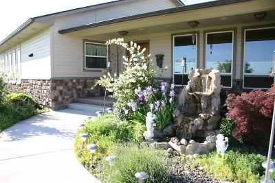 Nampa Single Family Home For Sale: W Roosevelt