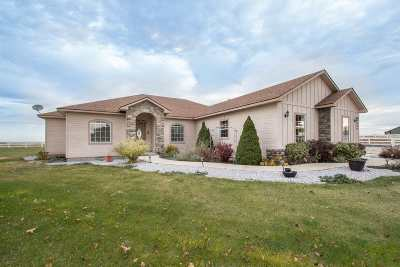 Nampa Single Family Home For Sale: 8886 Bowmont