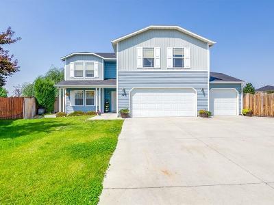 Middleton Single Family Home For Sale: 320 E Walcott Lake Ct