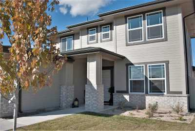 Middleton Single Family Home For Sale: 126 Voyager