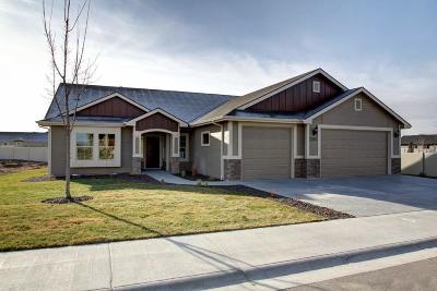 Nampa Single Family Home For Sale: 12 Castle Peak #4