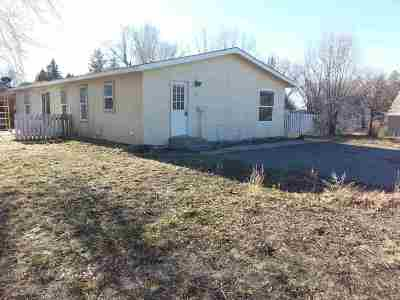 Shoshone Single Family Home For Sale: 422 N Date Dt.