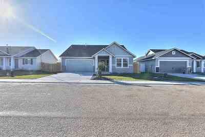 Caldwell Single Family Home New: 16233 Manatee Ave.