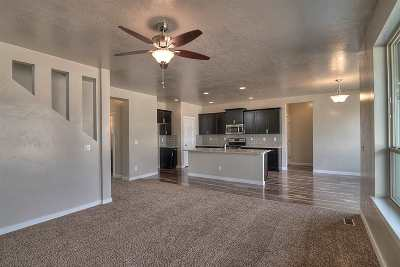 Meridian Single Family Home For Sale: 1859 S Cobble Ave.
