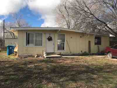 Single Family Home For Sale: 840 S 12th E